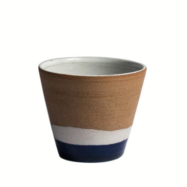 Gobelet bleu avec engobe de porcelaine - 2019 - Ana Belen Castillo - céramiste